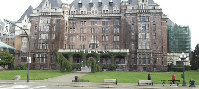tennis-tourist-Empress-Hotel-Victoria-British-Columbia-teri-church