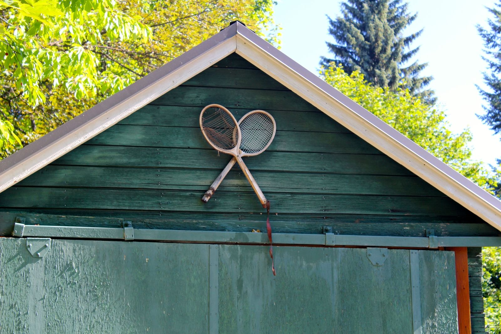 tennis-tourist-rossland-british-columbia-tennis-club-racquets-on-clubhouse-teri-church