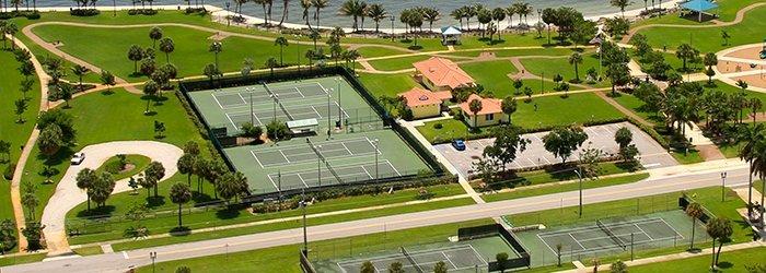tennis-tourist-courtesy-lake-park-tennis-courts