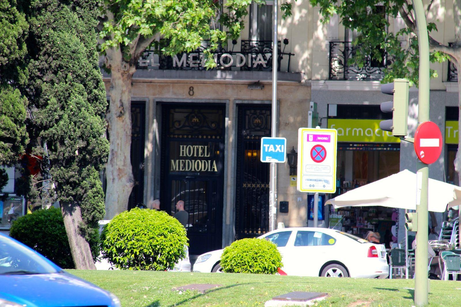 tennis-tourist-madrid-spain-hotel-mediodia-close-up-of-entrance-teri-church