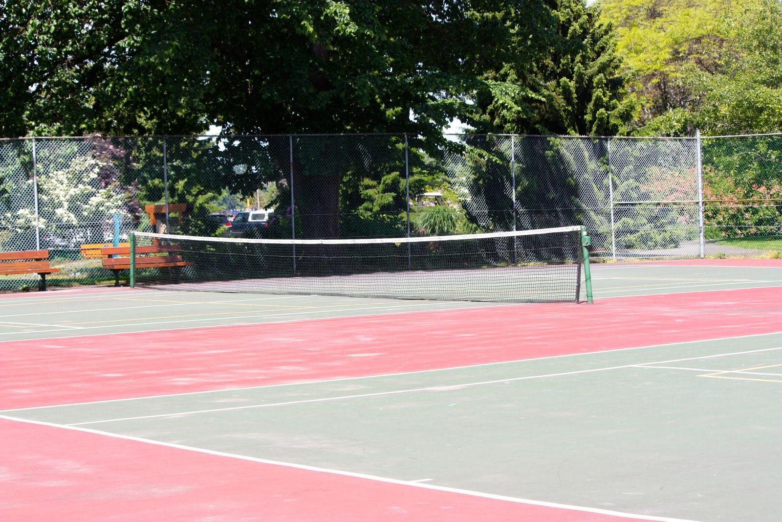 tennis-tourist-community-park-parksville-tennis-court-inside