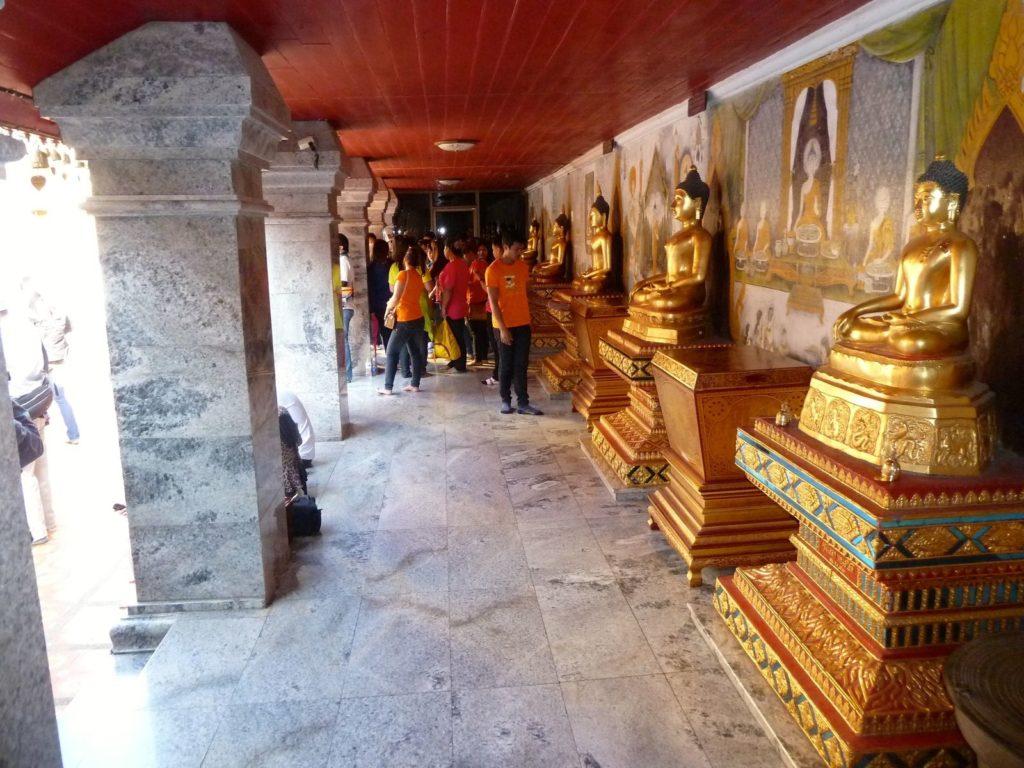 Tennis-Tourist-Wat-Phra-That-Doi-Suthep-statues-Chiang-Mai-Thailand-teri-church