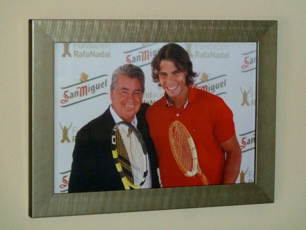 tennis-tourist-Manolo-Santana-Racquet-Club-Marbella-photo-of-manolo-and-rafael-nadal-teri-church