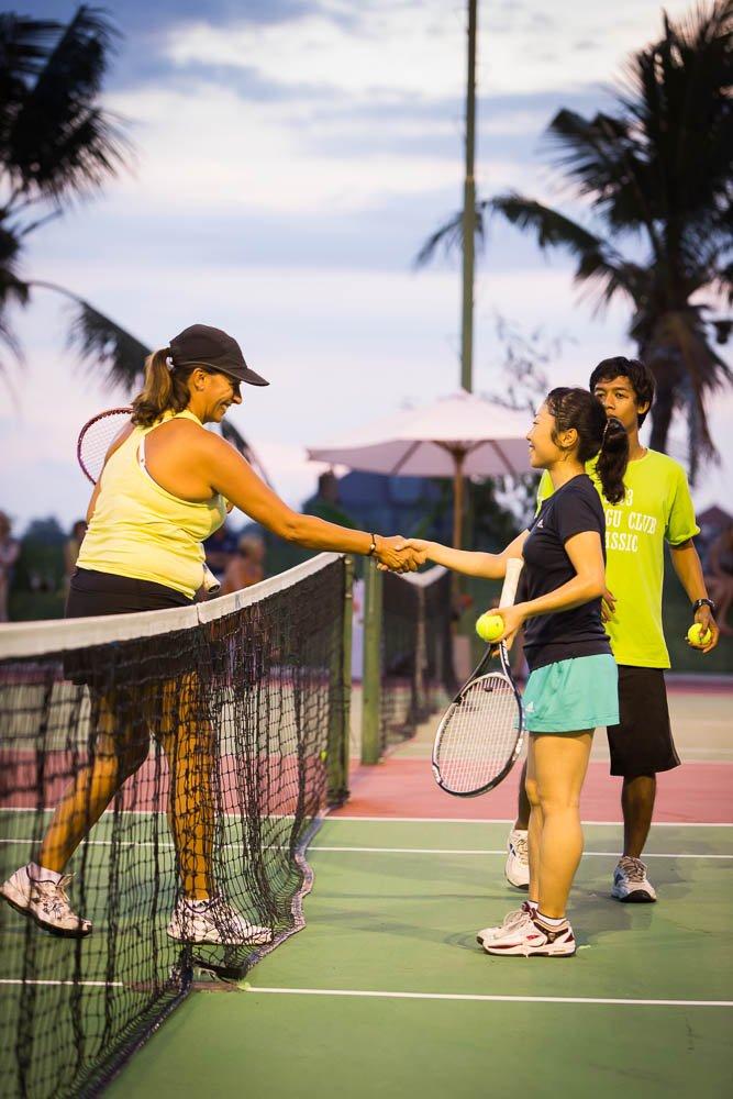 tennis-tourist-canggu-classic-open-tennis-players-shaking-hands-teri-church