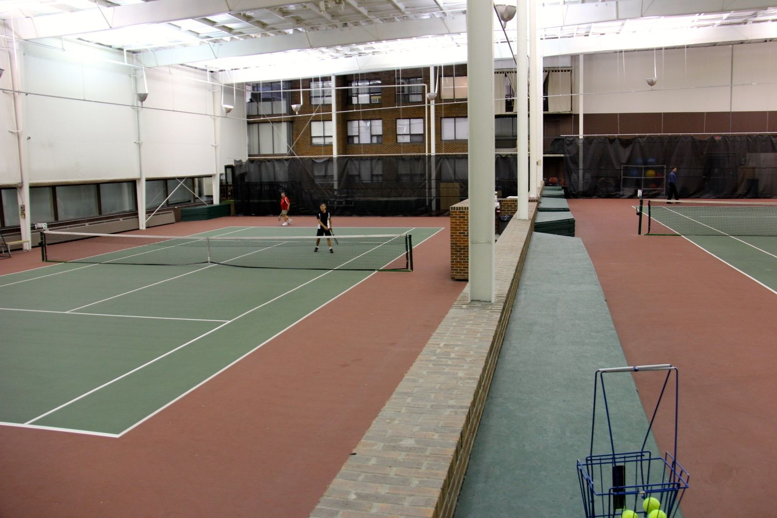 tennistourist-riverside-club-tennis-calgary-apartment-balconies-from-above-teri-church