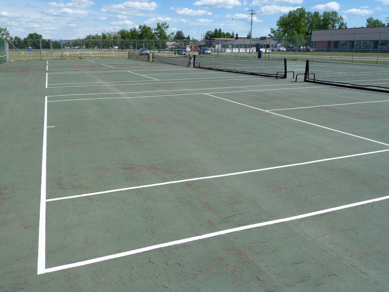 tennis-tourist-dawson-creek-bc-tennis-court-wide-shot-bill-adair