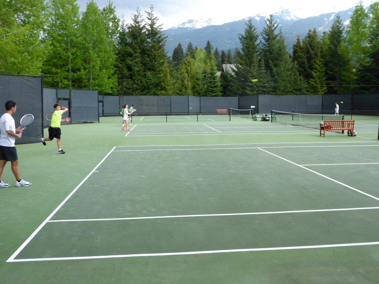 tennis-tourist-whistler-racquet-club-outdoor-court-bill-adair