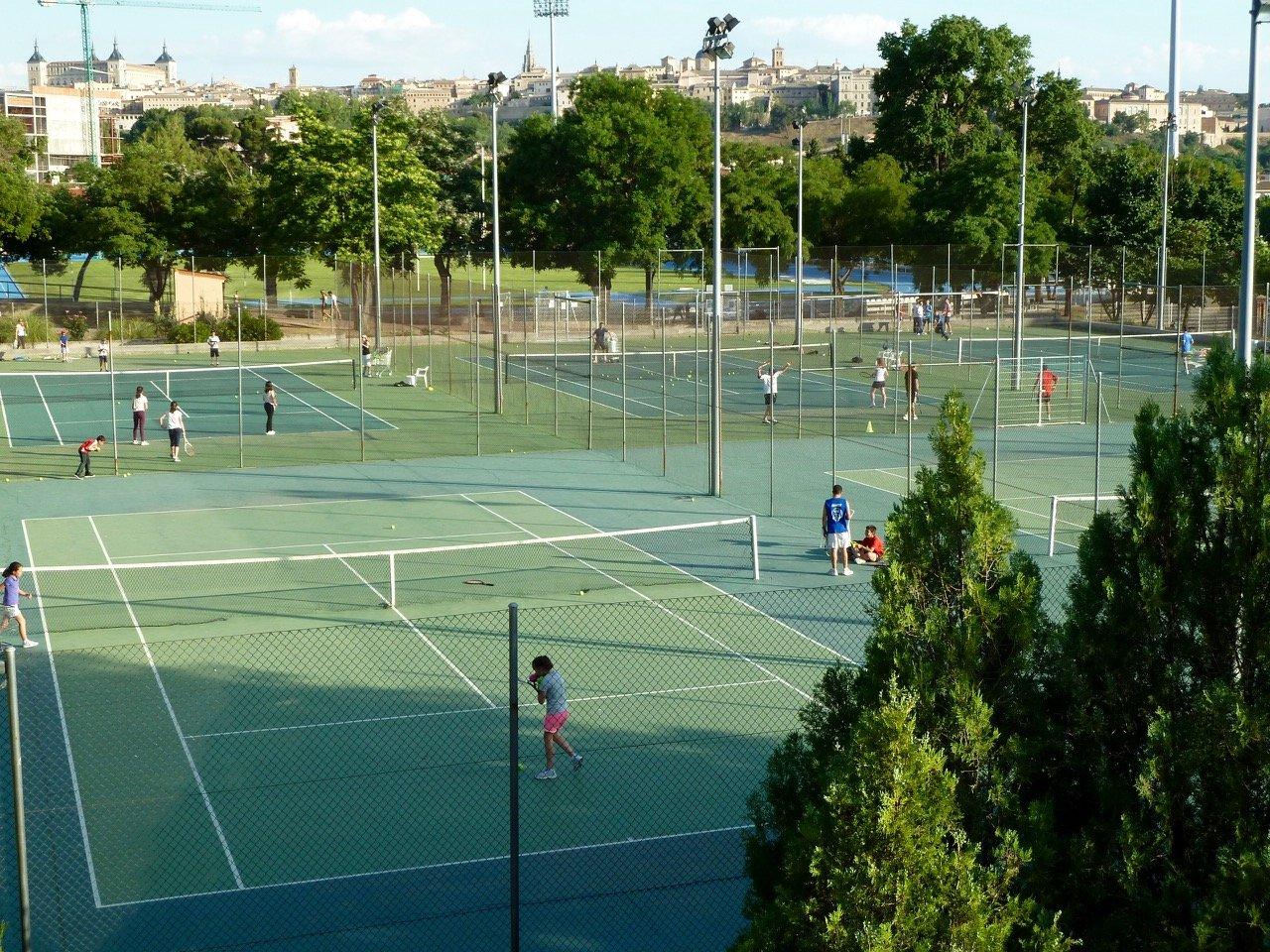 tennis-tourist-toledo-spain-patronada-deportivo-municipal-tennis-courts-from-above-teri-church