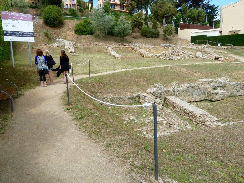 tennis-tourist-tossa-de-mar-spain-Els-Ametllers-roman-ruins-teri-church