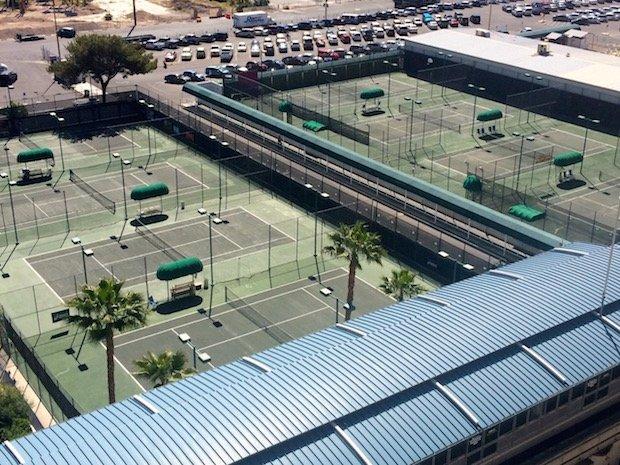 tennis-tourist-Ballys-Las-Vegas