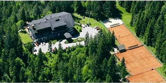 tennis-tourist-bled-slovenia-tennis-courts