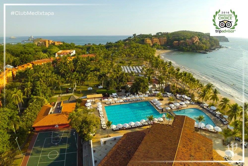 tennis-tourist-club-med-ixtapa-aerial-view-frederic-dewitte