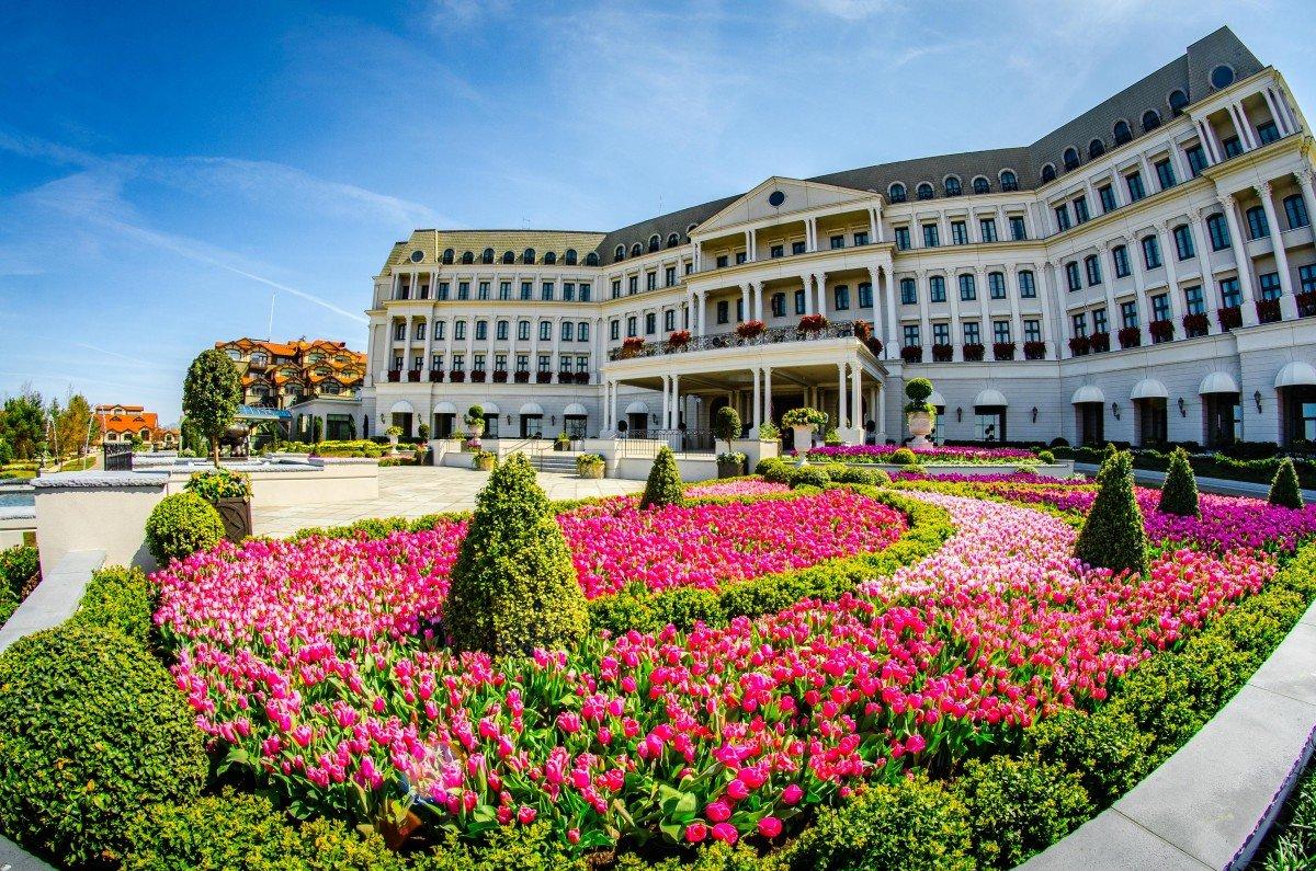 Nemacolins Woodlands Resort-Chateau Lafayette Pennsylvania-tennis courts