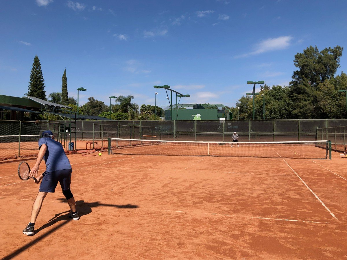 tennis-tourist-guadalajara-mexico-club-los-pinos-bill-teri-church