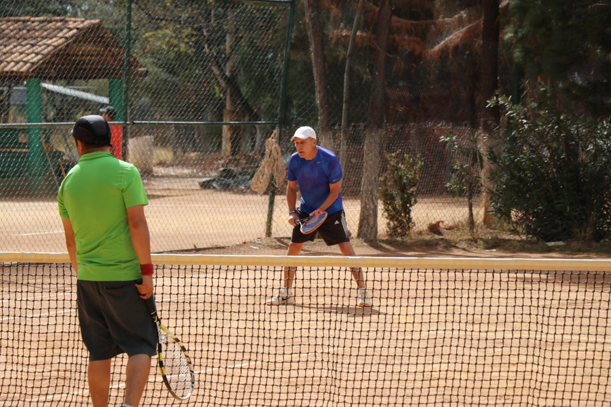 tennis-tourist-guanajuato-mexico-club-tenis-santa-fe-players-teri-church
