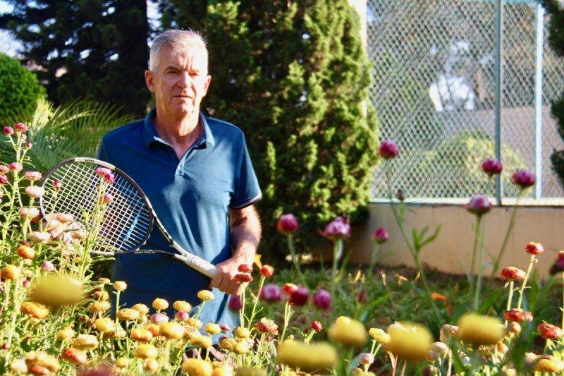 tennis-tourist-dalat-vietnam-monet-garden-hotel-teri-church