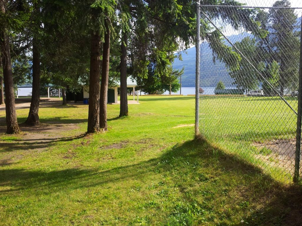 tennis-tourist-nakusp-bc-tennis-teri-church